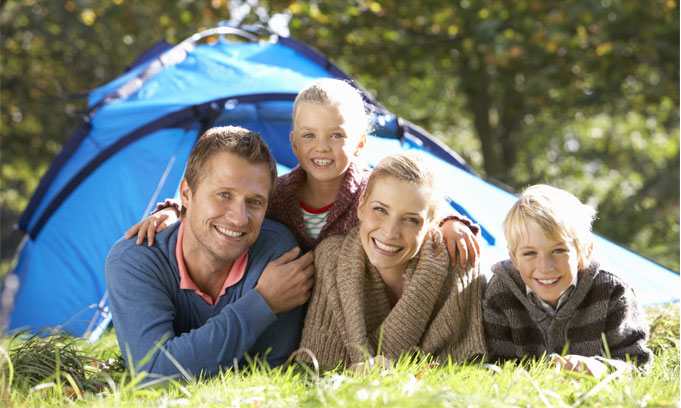 HomeSlideB-Camping-Family